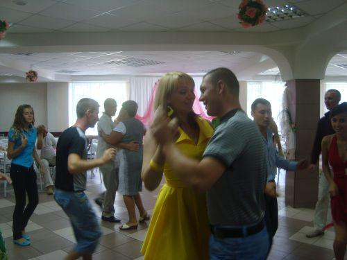 Танец с любимым кумом.