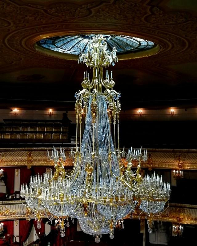 Люстра Большого театра.
