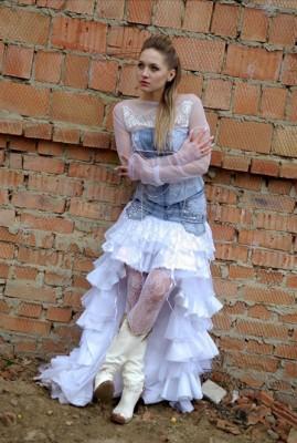 Обрaботкa фотогрaфии в фотошопе18 летняя девочка заставила