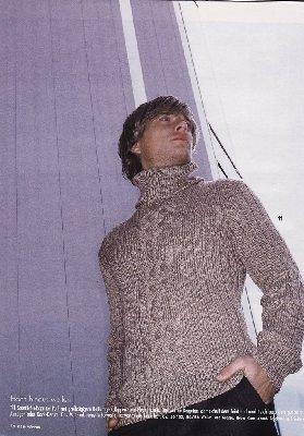Очень простой в вязании свитер - почти полностью связан резинкой, только...